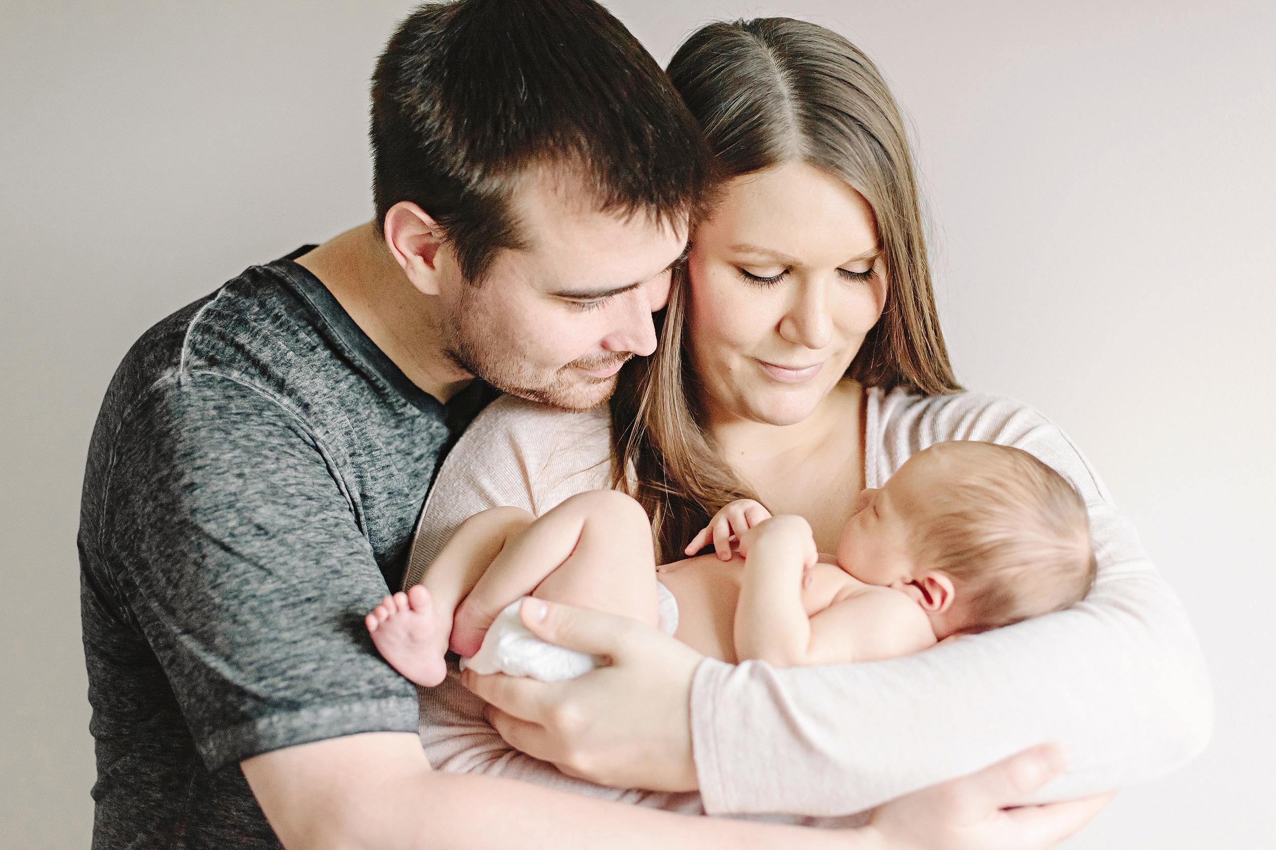 Lifestyle Newborn Photography | Cassie Schott Photography