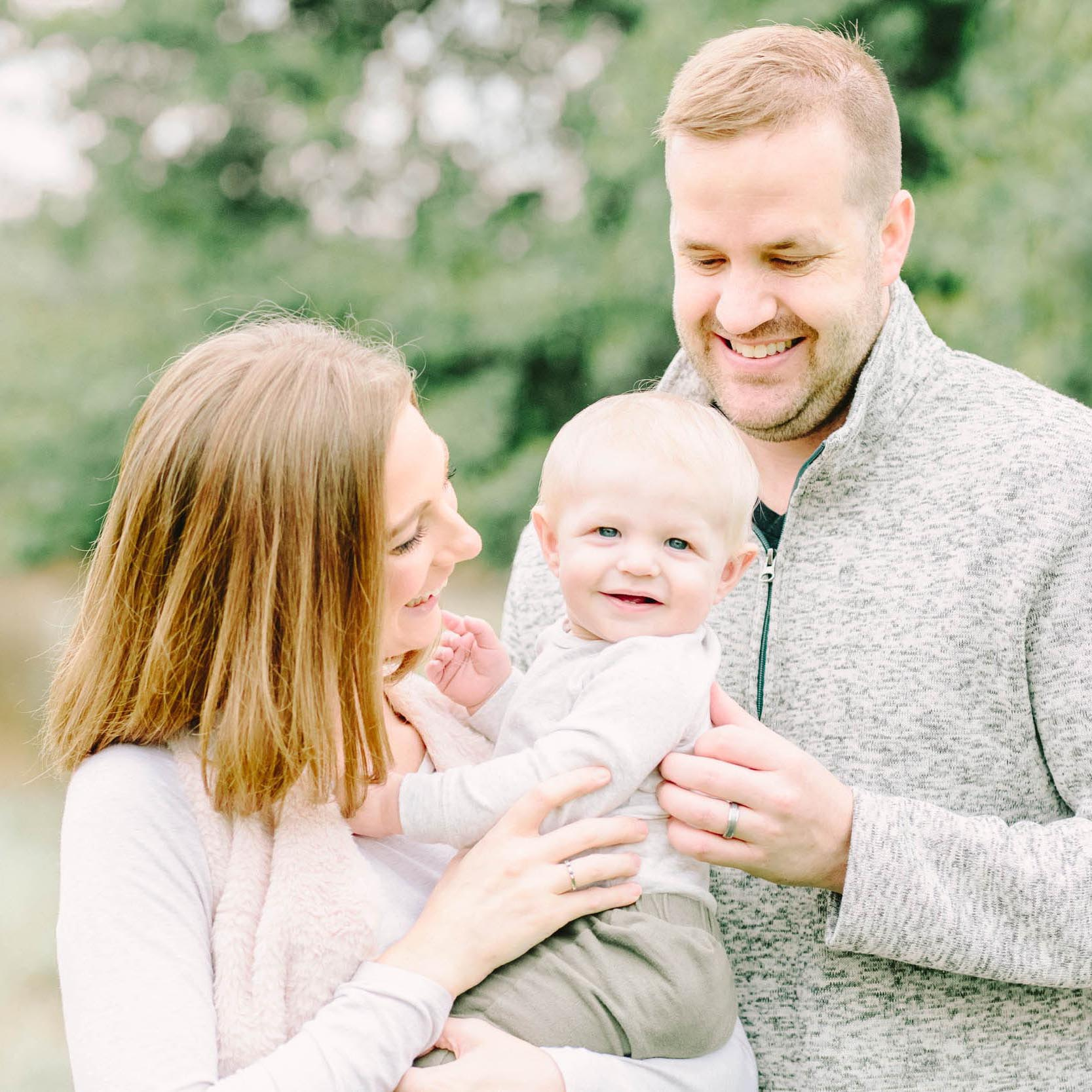 Cassie Schott Photography_Geneva Family Photographer_1.jpg