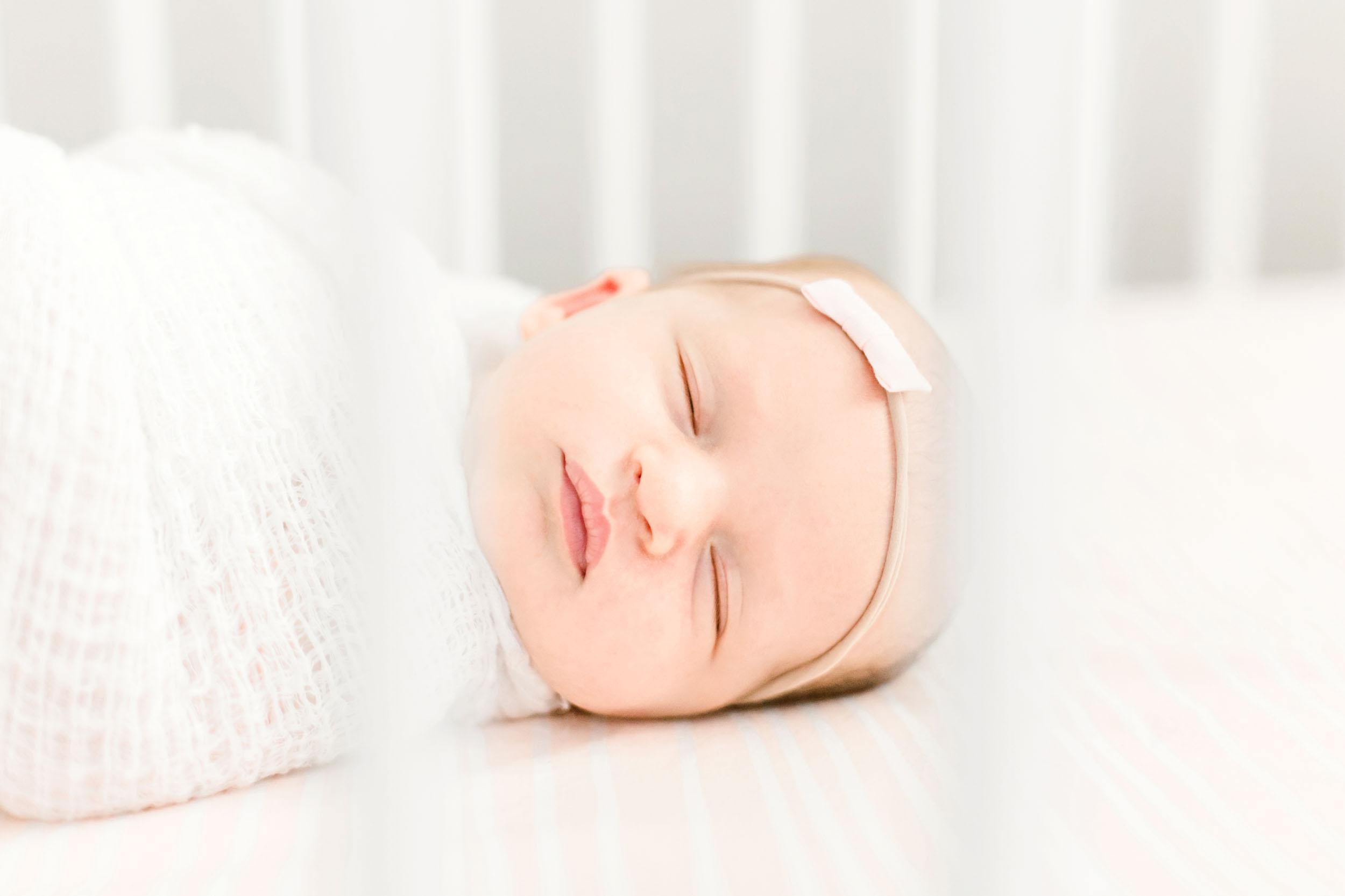 CassieSchottPhotography_Lifestyle Newborn Session_Chicago and Houston Newborn Photographer.jpg