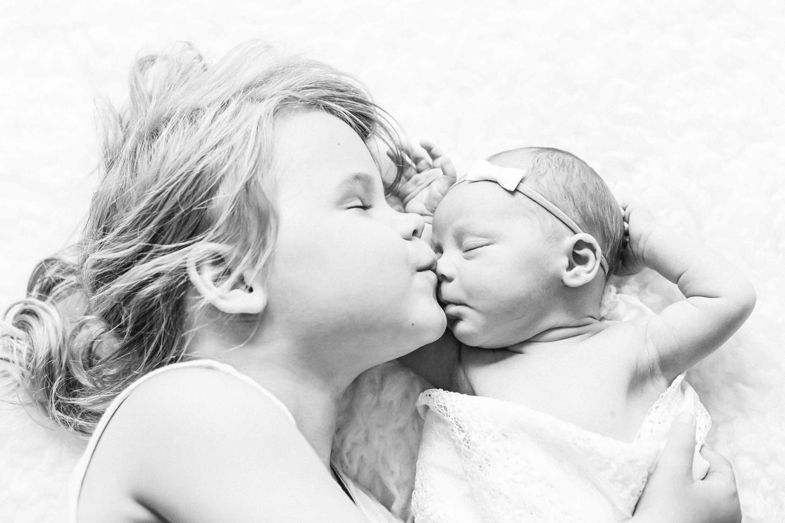 Crystal Lake Illinois Newborn Photographer_ Cassie Schott Photography_4.jpg
