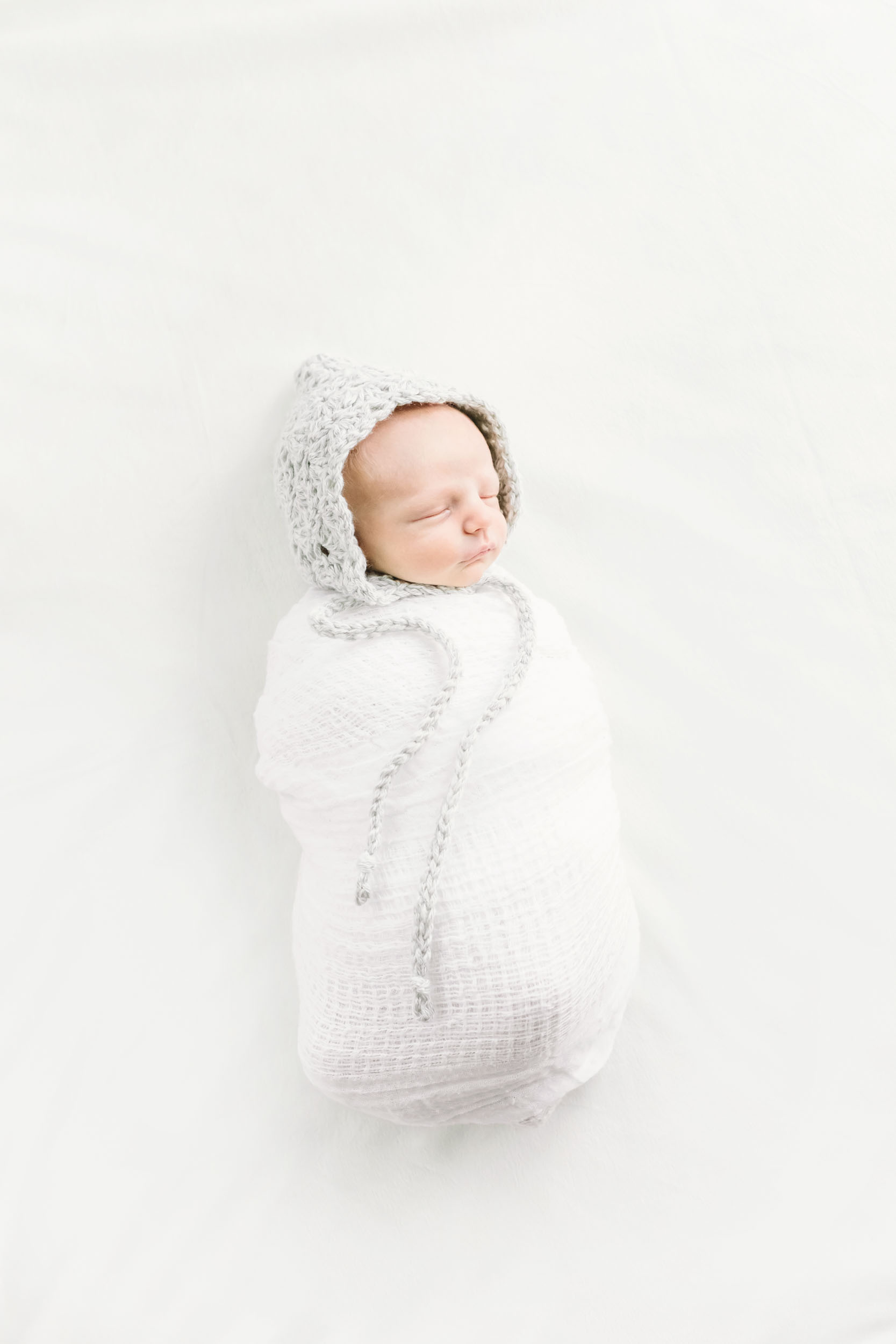 Geneva Illinois Newborn Photographer_Cassie Schott Photography_In Home Session_2.jpg