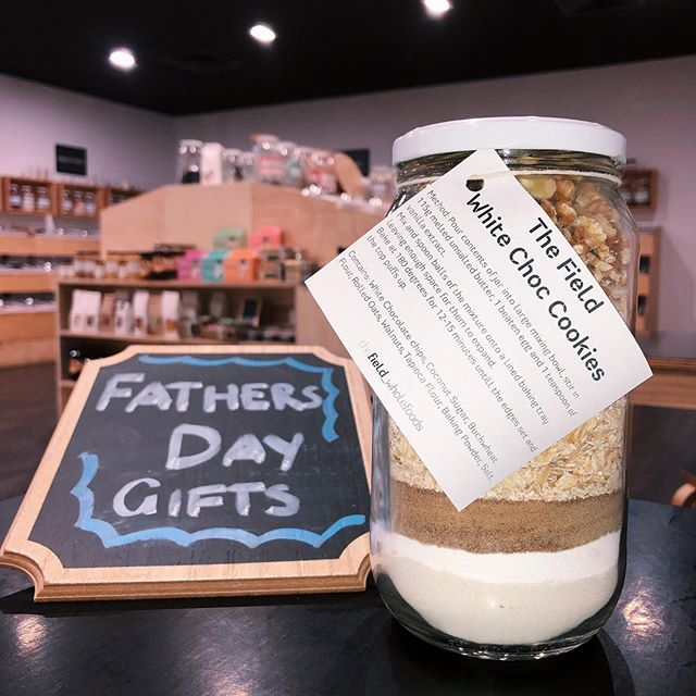 FATHERS DAY GIFT IDEA 👨👧👦 Treat your father to the Fields new White Choc Cookie Jar 🍪 All ingredients measured, making it easier for you! - - - Contains nuts  Available at Golden Grove  #wholefood #cookie #fathersday #shopnaturally