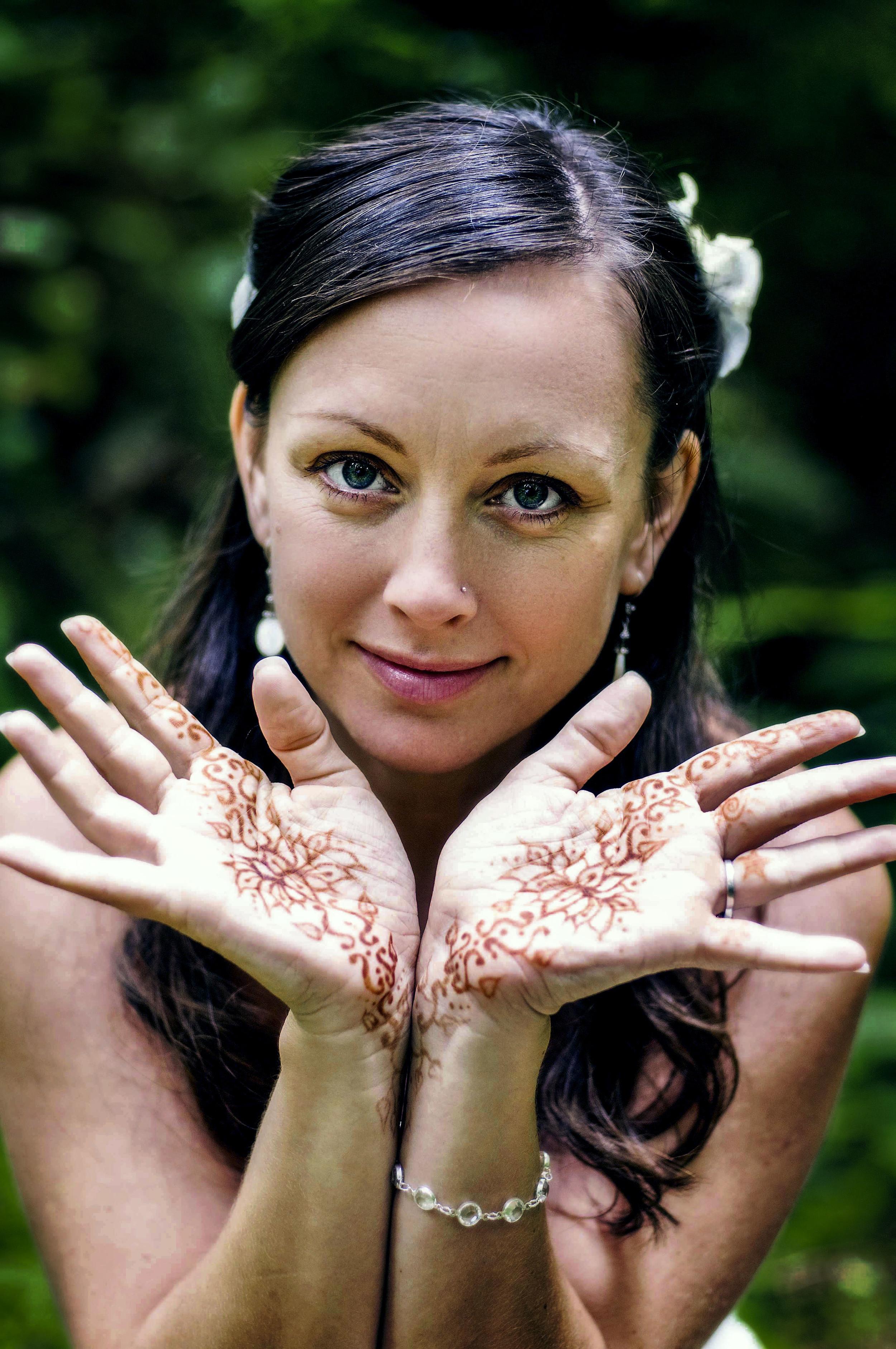 Tara McLean Bridal Henna 1.jpg
