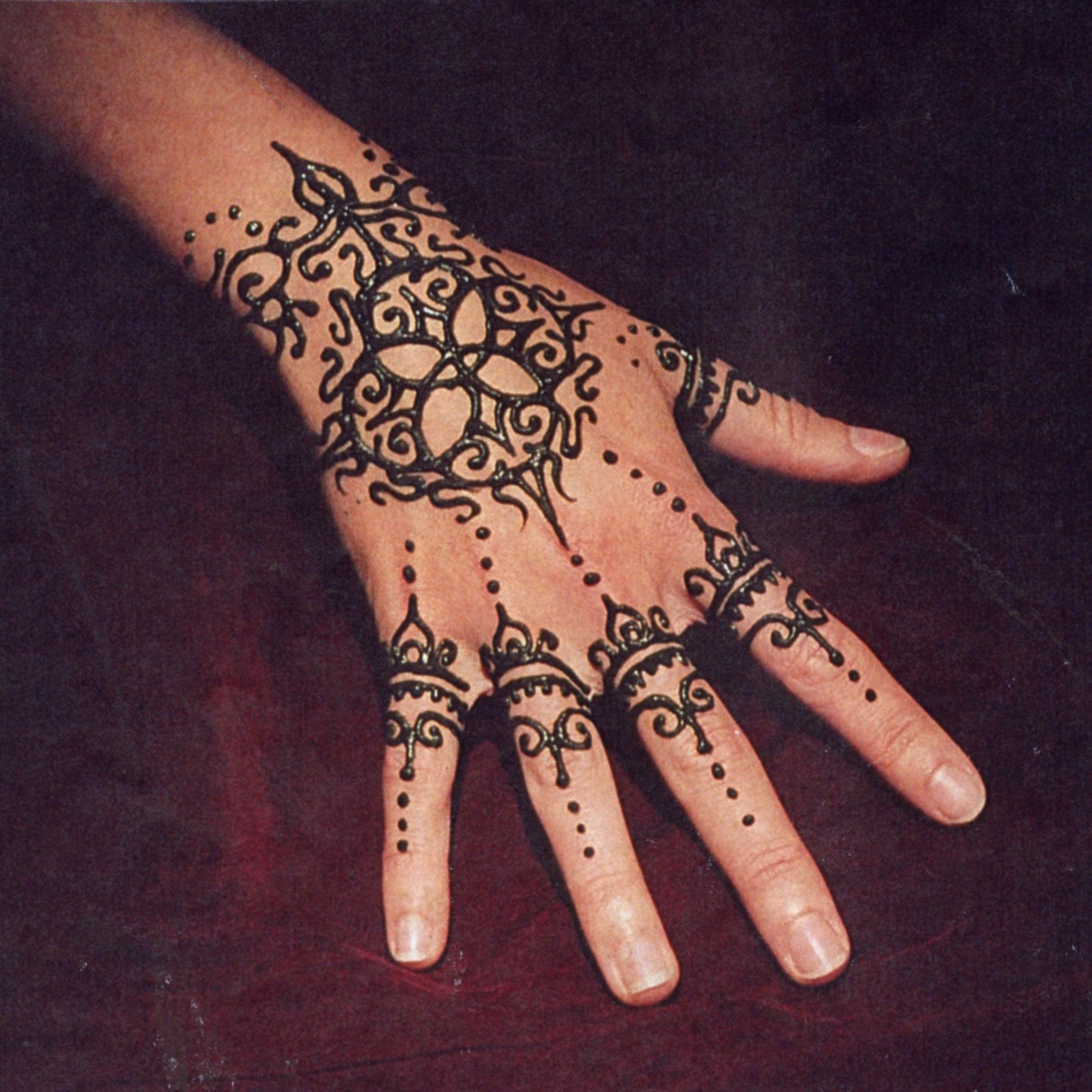 Henna_Mehndi_Image_SQR