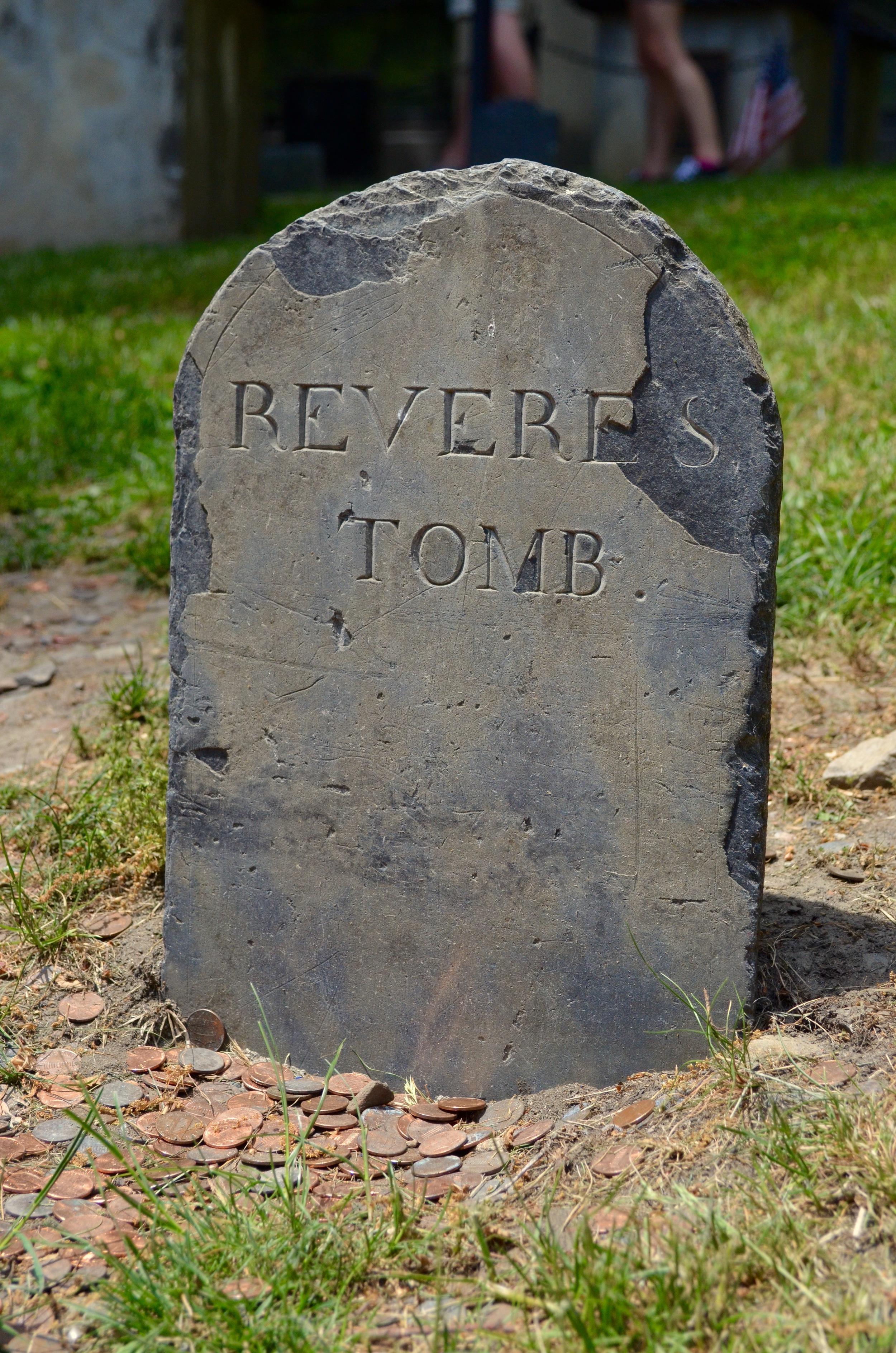 PaulReveresgrave.jpg