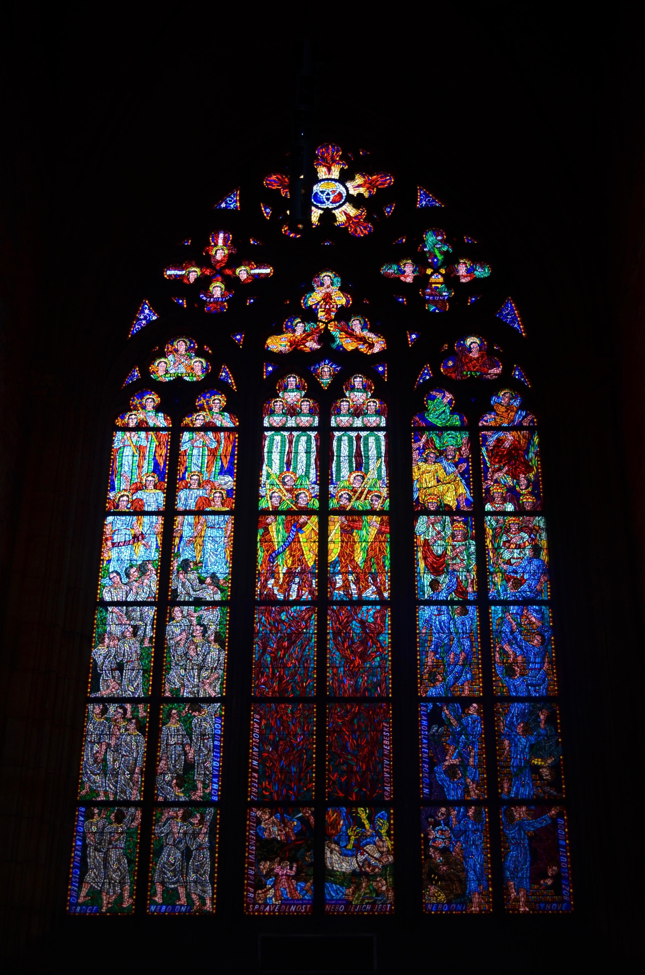 Praguecastlecathedral.jpg