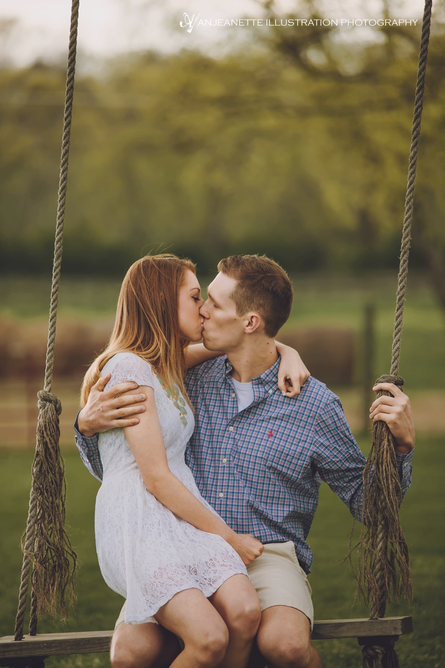 Romantic swing for two at Rock Creek Farm