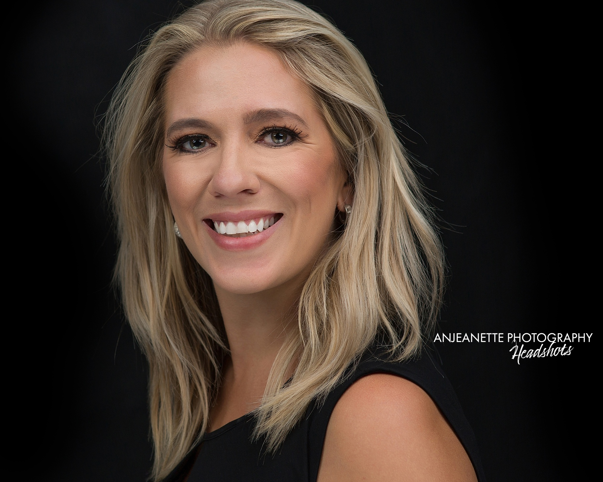 Headshot Arizona real estate professional business Peoria Az Anthem Az portrait photographer Anjeanette Photography Phoenix real estate portrait