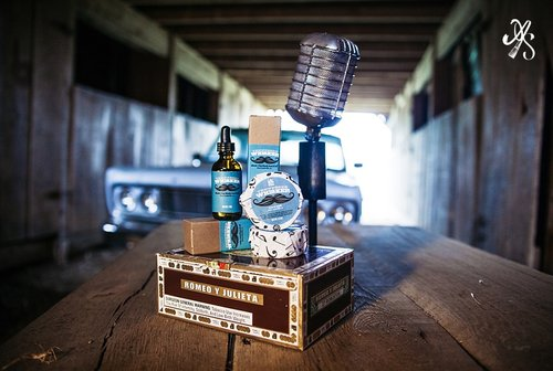 Best product photo picture places near Phoenix Arizona for professional website editorial product portraits Anjeanette.Photography music city suds