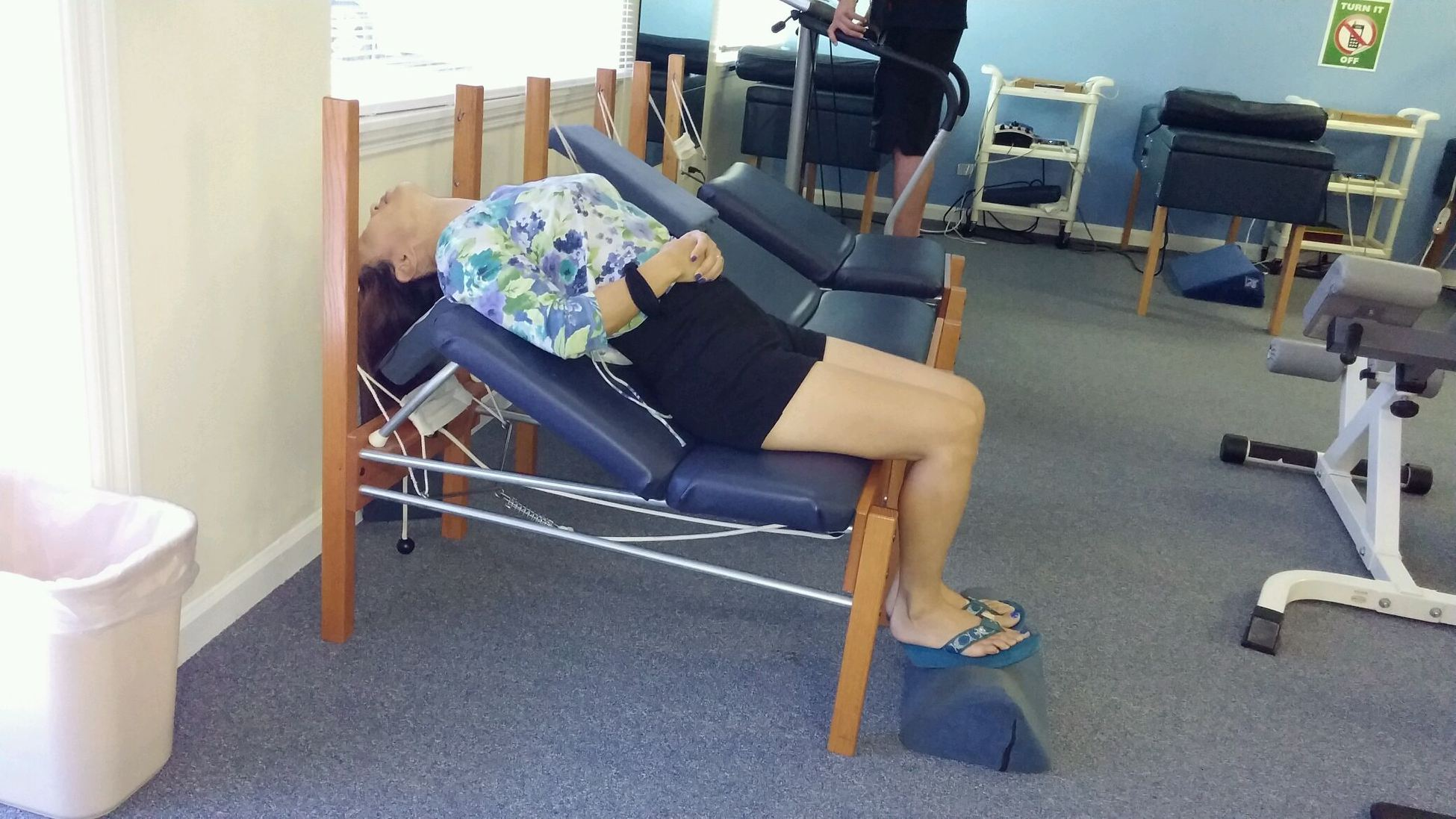 Traction chair