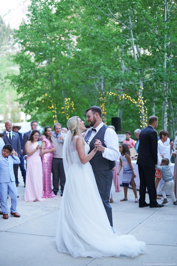 Snowbird_Cliff_Lodge_Wedding_Utah_Photographer_0103.jpg