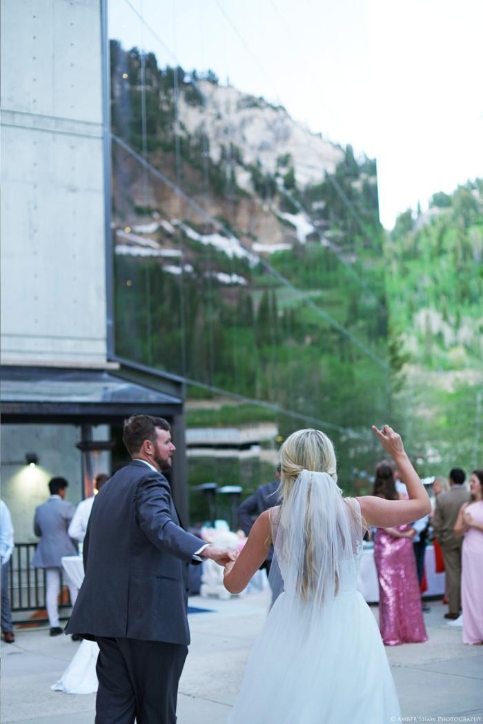Snowbird_Cliff_Lodge_Wedding_Utah_Photographer_0123.jpg
