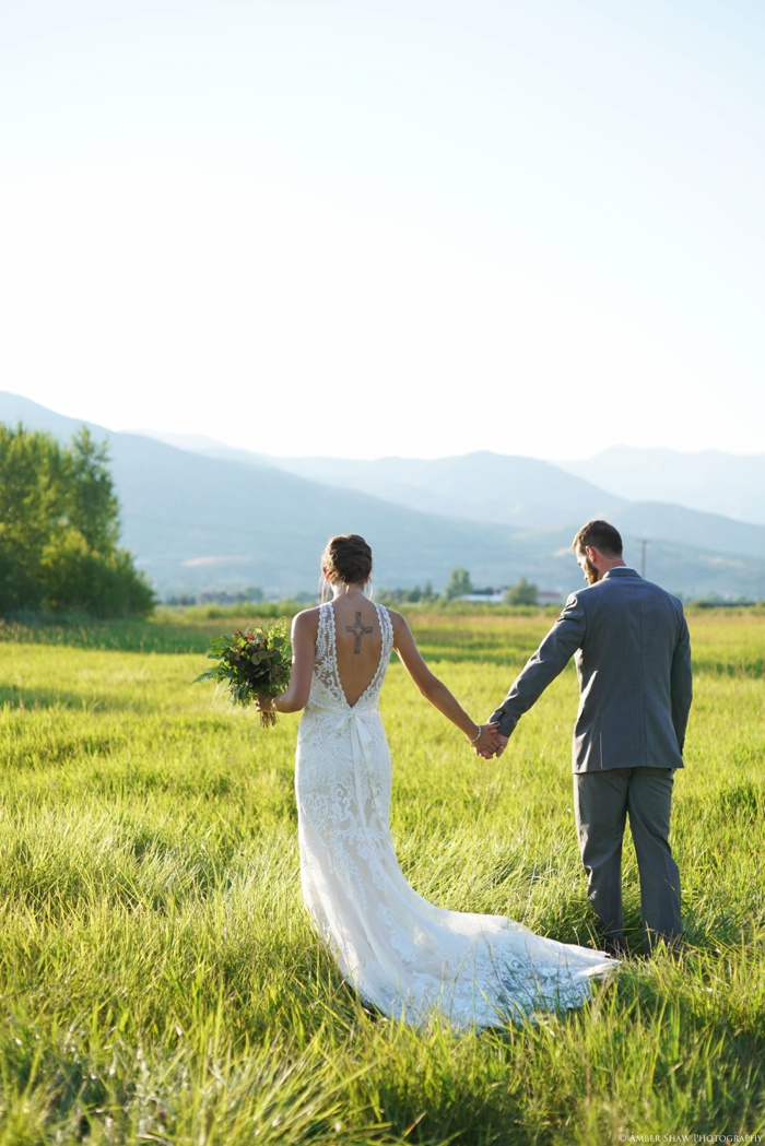 Barn_Nature_Bridal_Groomal_First_Look_Utah_Wedding_Photographer_0005.jpg