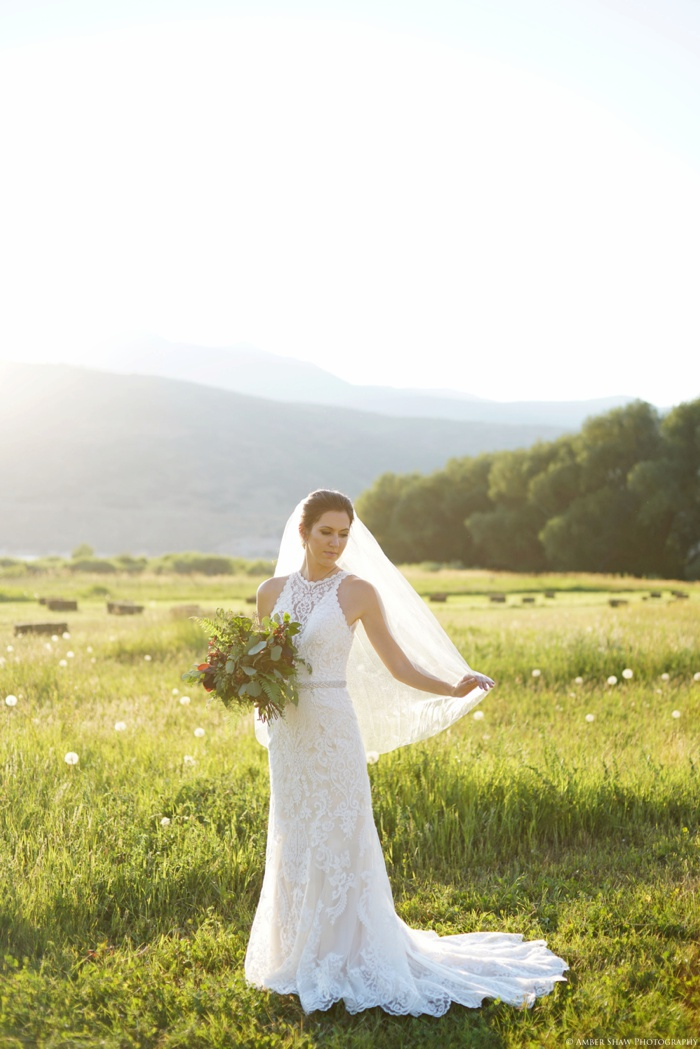 Barn_Nature_Bridal_Groomal_First_Look_Utah_Wedding_Photographer_0015.jpg