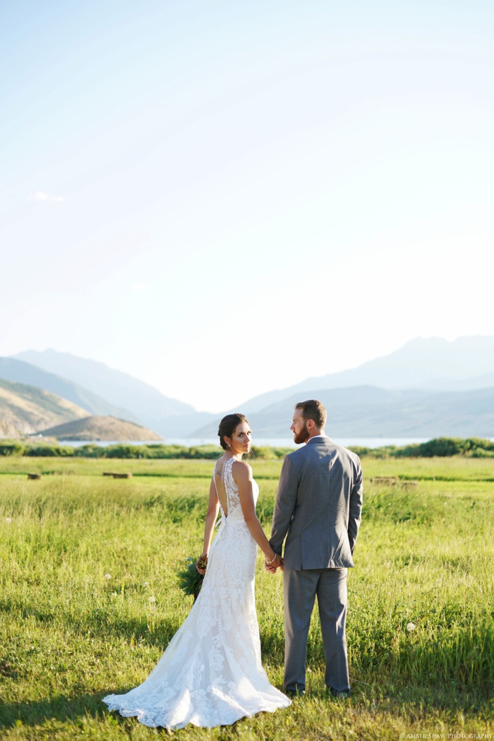 Barn_Nature_Bridal_Groomal_First_Look_Utah_Wedding_Photographer_0017.jpg
