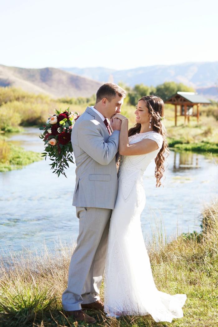 Summer_Outdoor_Bridal_Groomal_Utah_Wedding_Photographer_0020.jpg