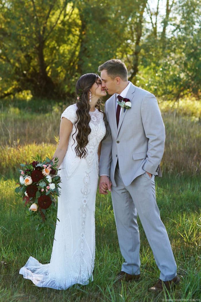 Summer_Outdoor_Bridal_Groomal_Utah_Wedding_Photographer_0024.jpg