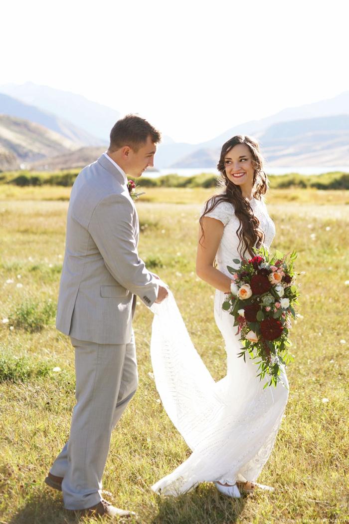 Summer_Outdoor_Bridal_Groomal_Utah_Wedding_Photographer_0029.jpg