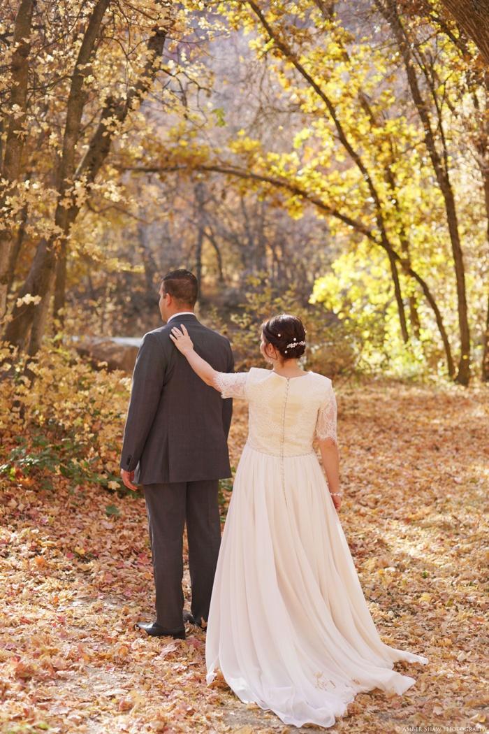 Fall_Payson_Temple_Utah_Wedding_Photographer_0001.jpg