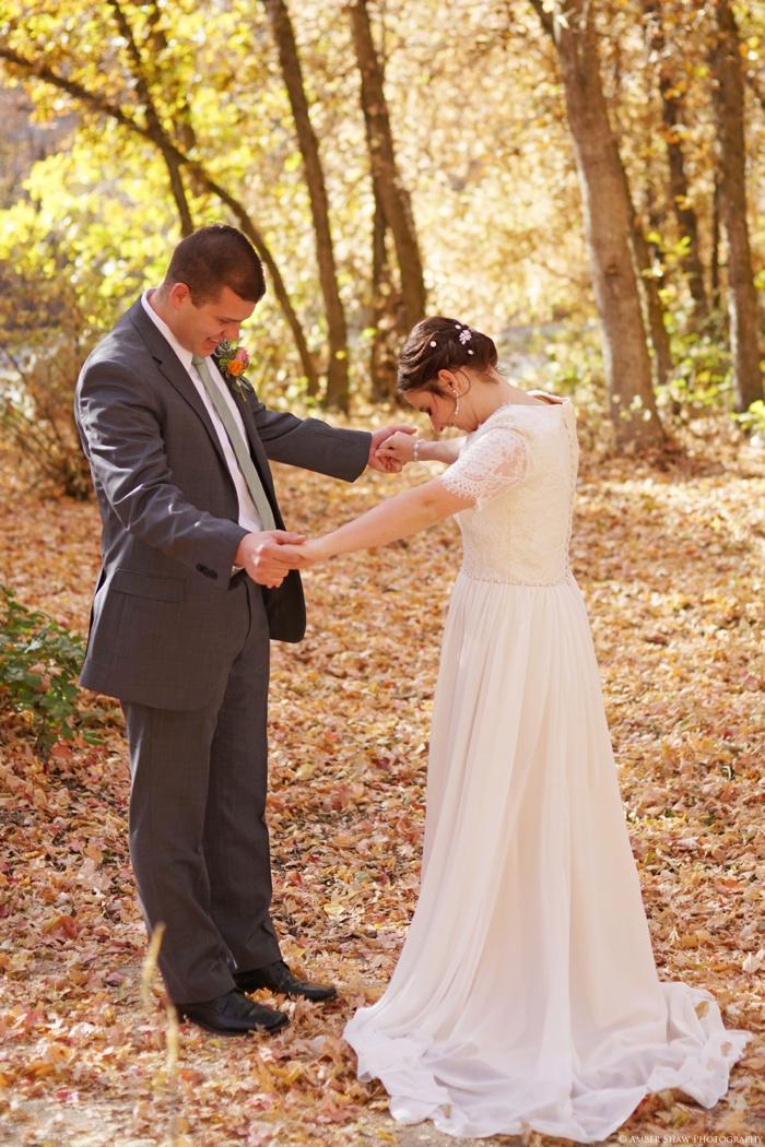 Fall_Payson_Temple_Utah_Wedding_Photographer_0004.jpg