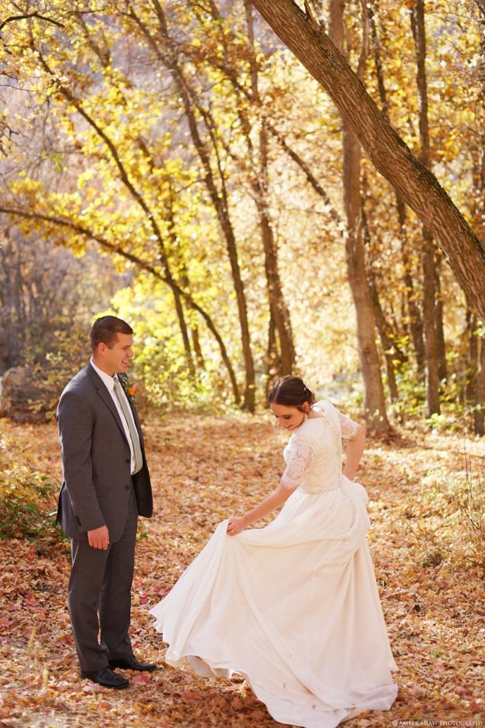 Fall_Payson_Temple_Utah_Wedding_Photographer_0005.jpg