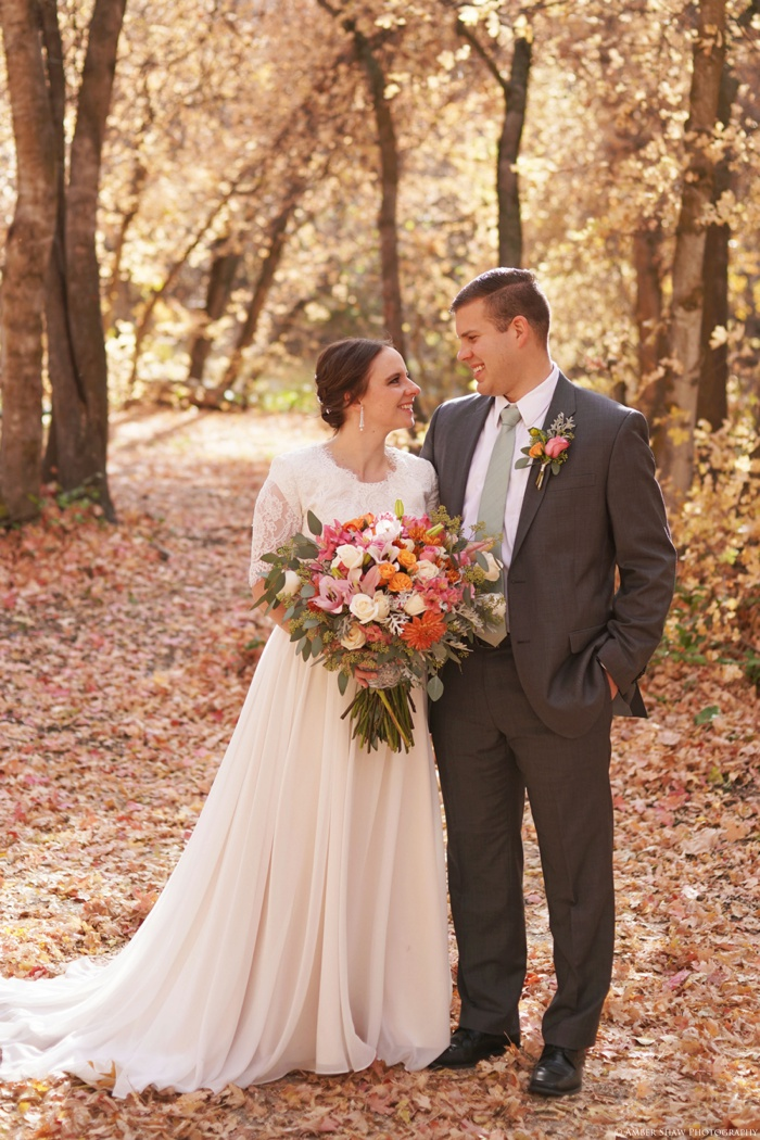 Fall_Payson_Temple_Utah_Wedding_Photographer_0006.jpg