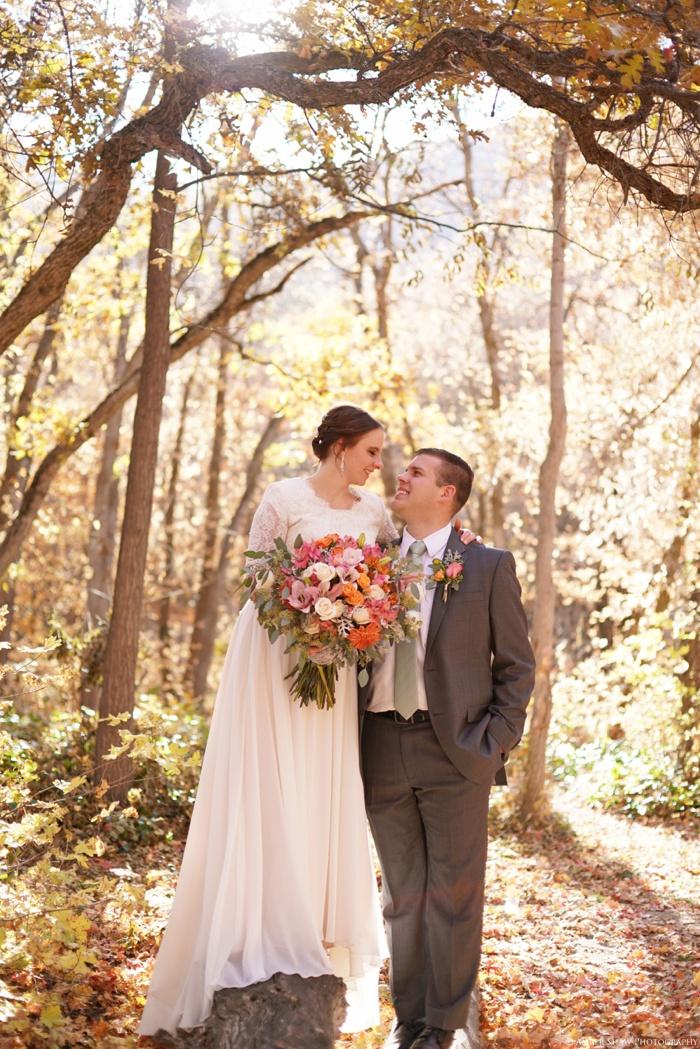 Fall_Payson_Temple_Utah_Wedding_Photographer_0014.jpg