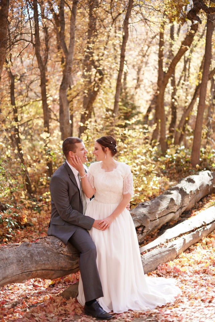 Fall_Payson_Temple_Utah_Wedding_Photographer_0017.jpg