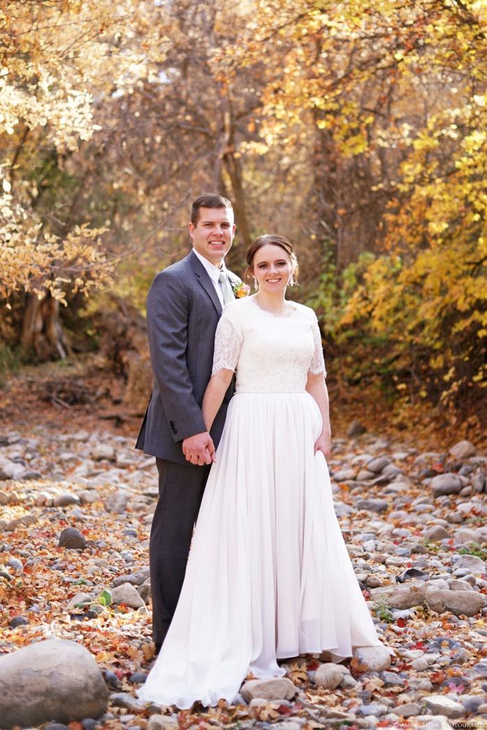 Fall_Payson_Temple_Utah_Wedding_Photographer_0023.jpg