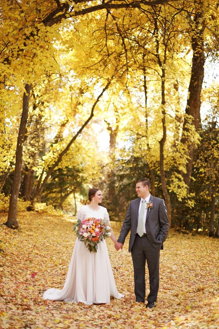 Fall_Payson_Temple_Utah_Wedding_Photographer_0026.jpg