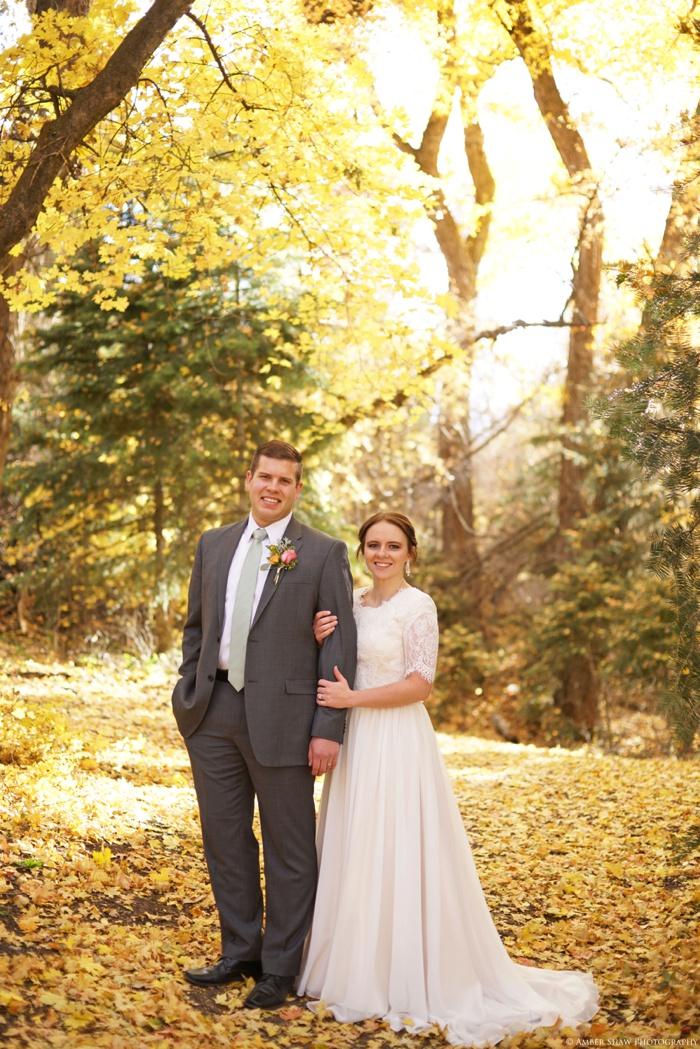 Fall_Payson_Temple_Utah_Wedding_Photographer_0029.jpg