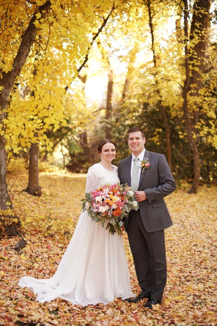 Fall_Payson_Temple_Utah_Wedding_Photographer_0030.jpg
