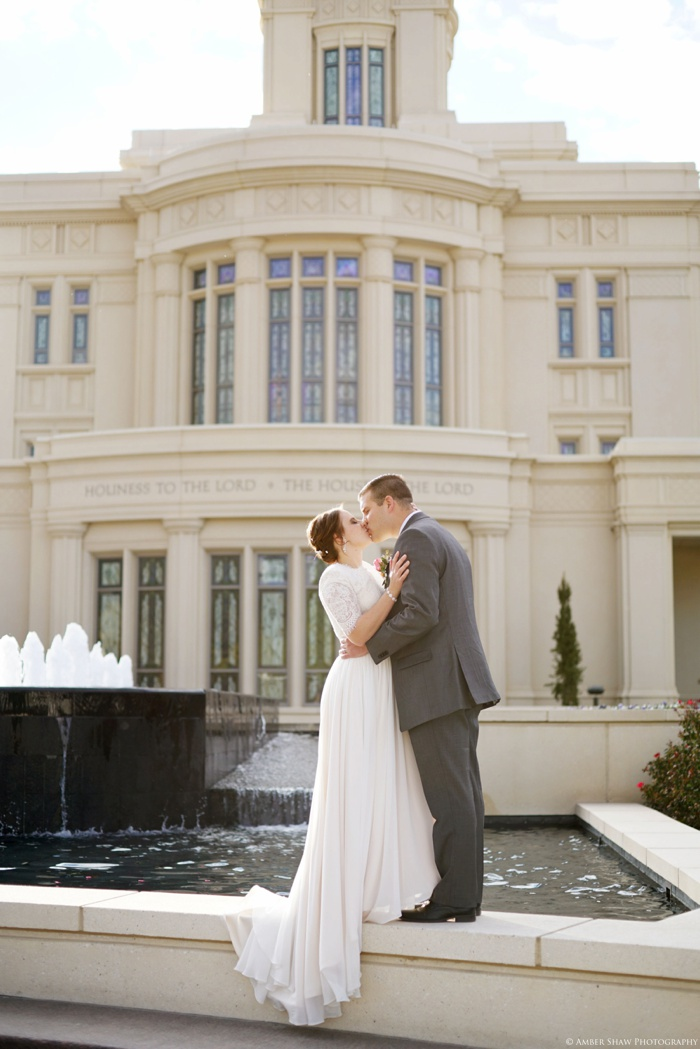 Fall_Payson_Temple_Utah_Wedding_Photographer_0034.jpg