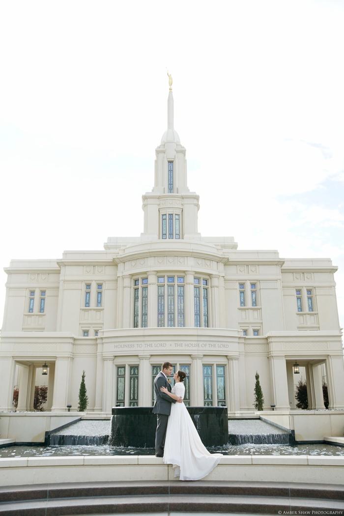 Fall_Payson_Temple_Utah_Wedding_Photographer_0036.jpg