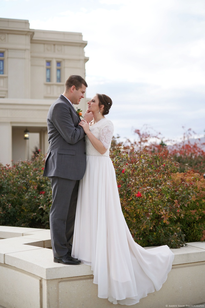 Fall_Payson_Temple_Utah_Wedding_Photographer_0037.jpg