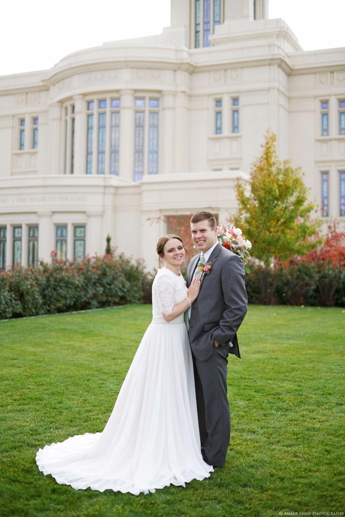 Fall_Payson_Temple_Utah_Wedding_Photographer_0039.jpg