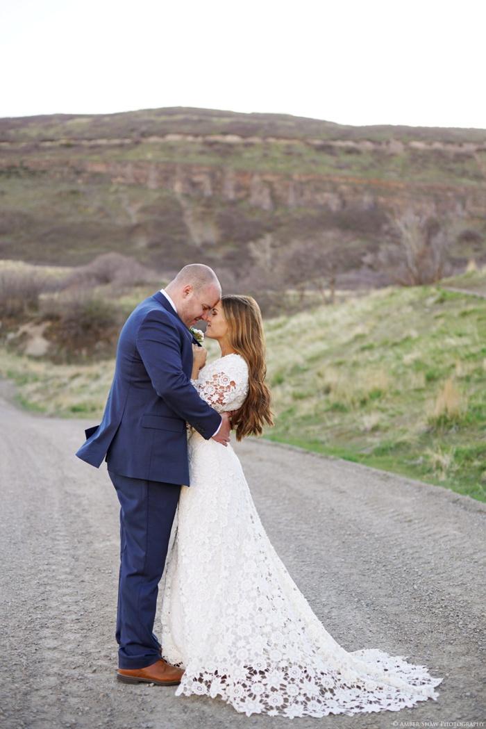 Provo_Orchard_Bridal_Groomal_Session_Utah_Wedding_Photographer_0022.jpg