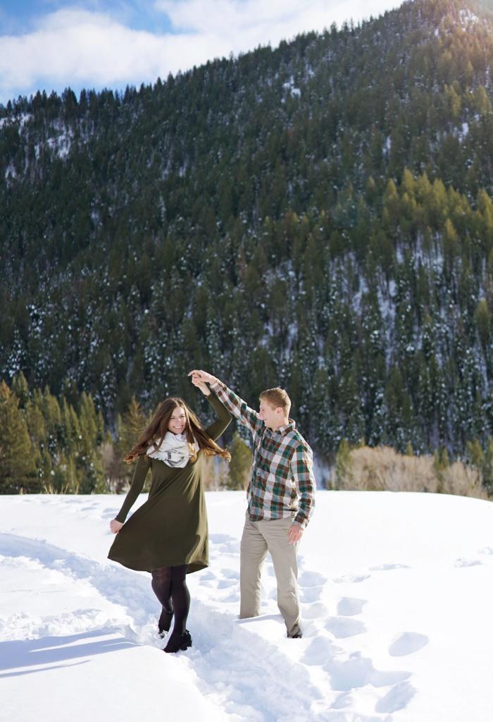 Snowy_Tibblefork_Engagement_Wedding_Utah_Photographer_0016.jpg