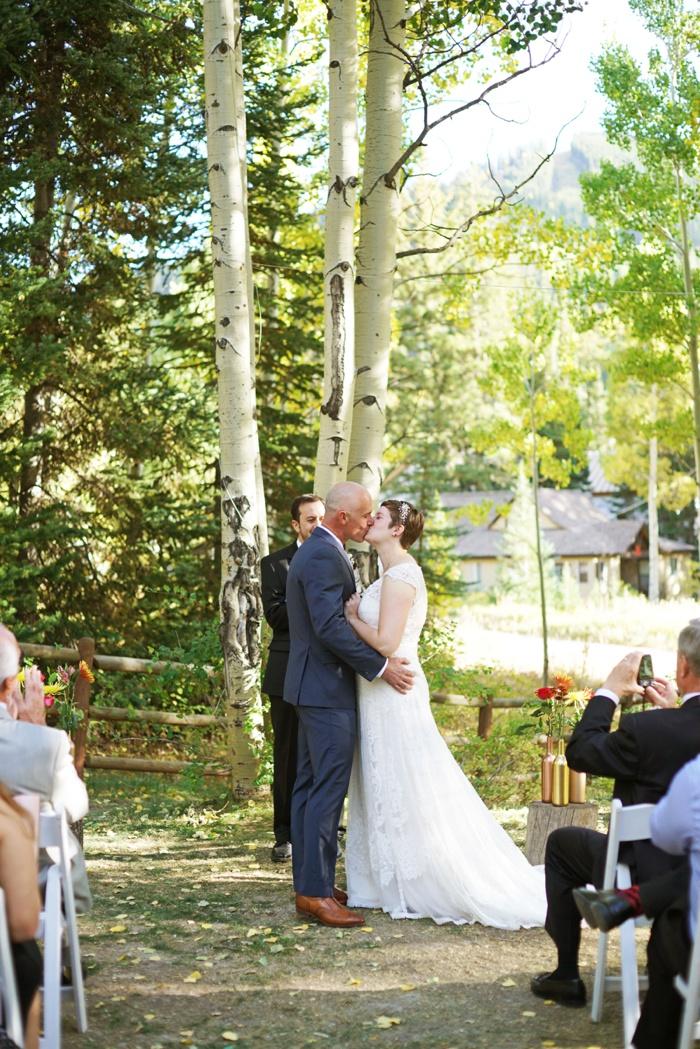 Silver_Fork_Lodge_Fall_Wedding_Utah_Photographer_0023.jpg