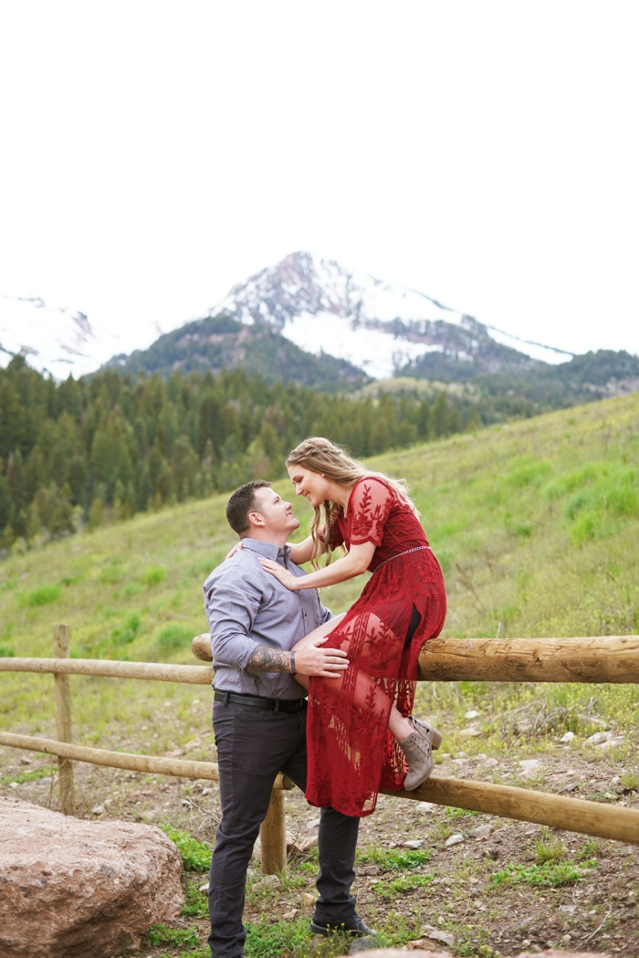 Tibblefork_Engagement_Session_Utah_Wedding_Photographer_0030.jpg