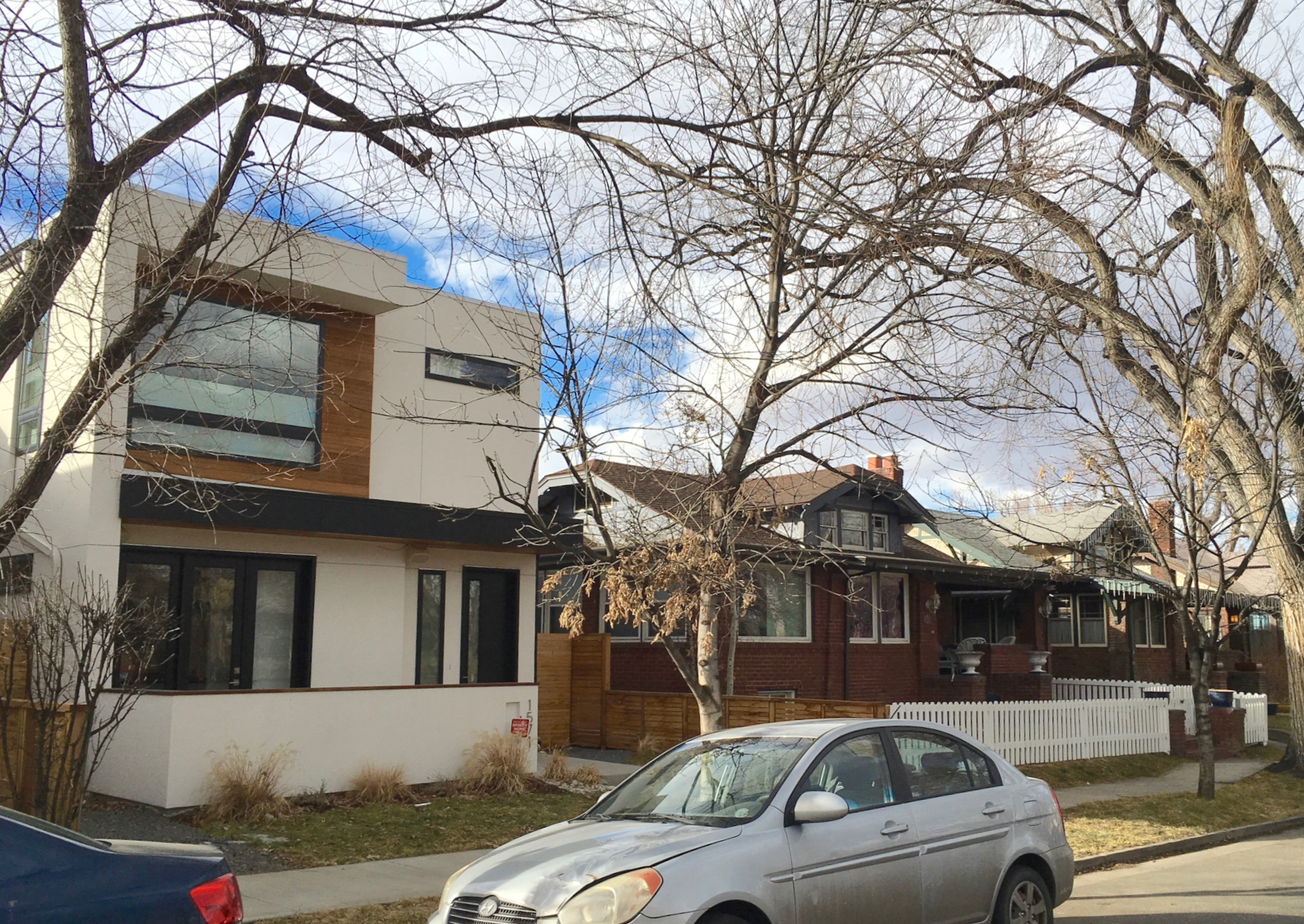 New Modernism infill on streetscape