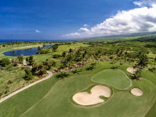 2.Mphotoi-Hokulia-golf-hole-pond-600x450.jpg