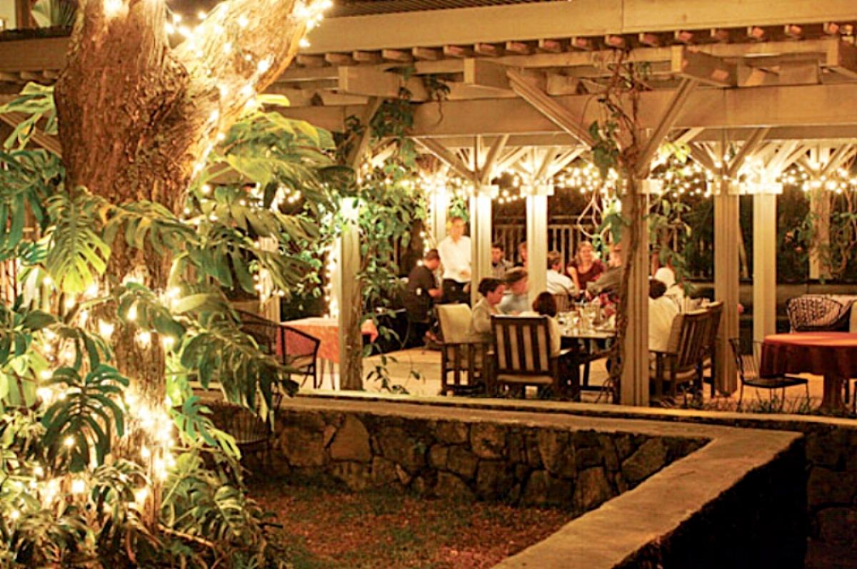 2017 holuakoa restaurant festival of lights.jpg