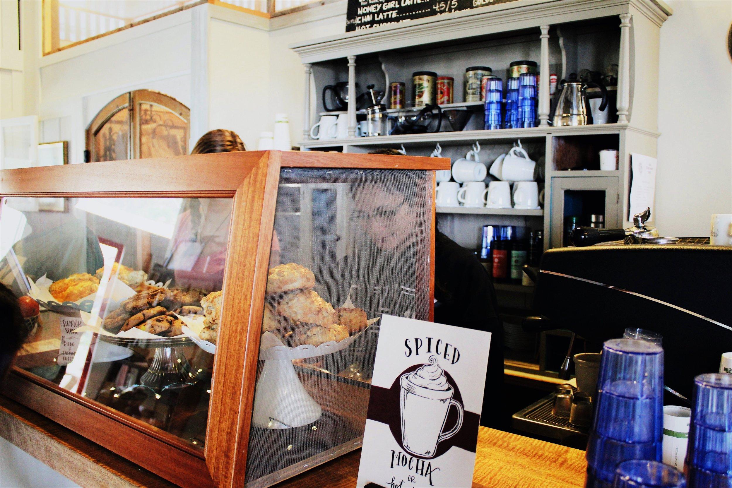 Iwa Cafe 03.jpg