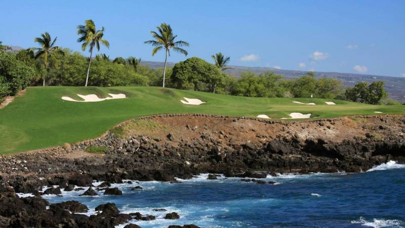 Kohala Coast residential resort communities have plenty of golfing options, including a mix of high-end resort experiences and public courses.