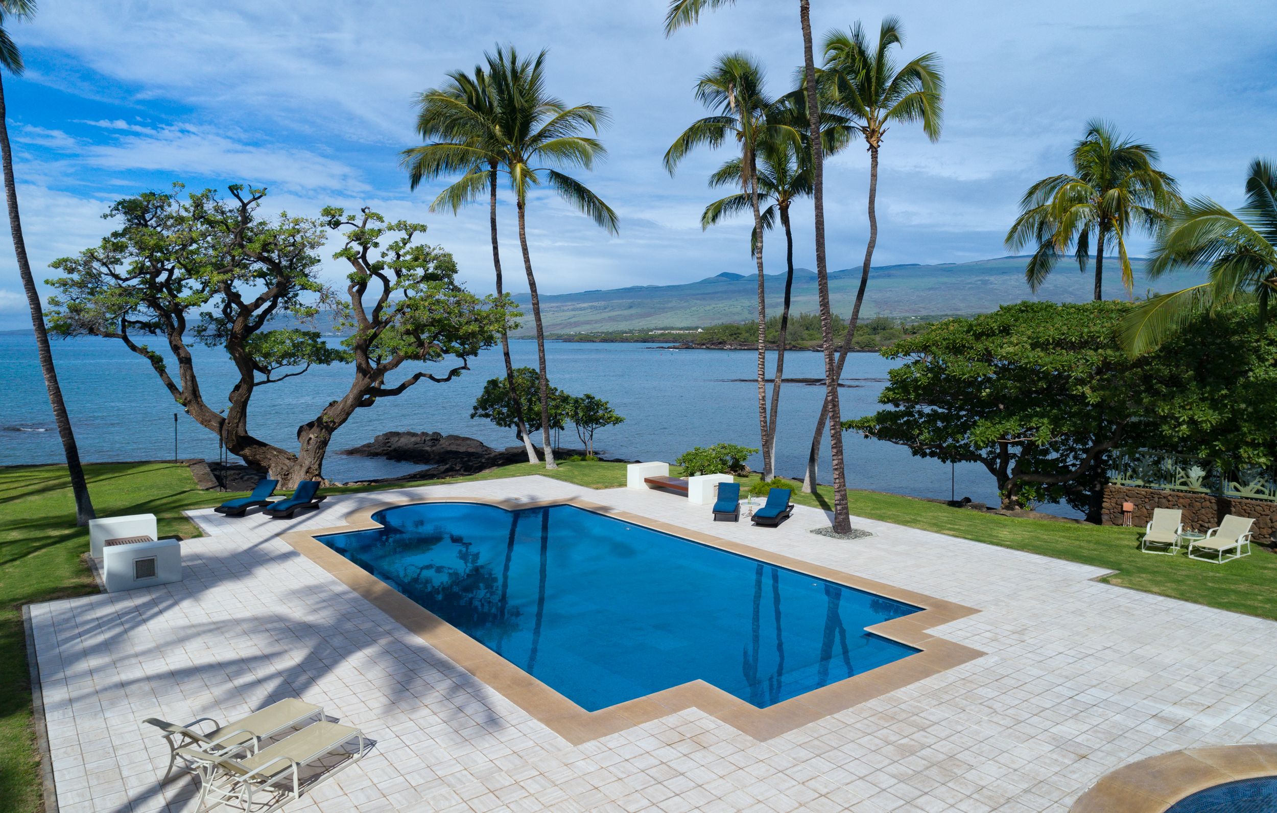 Private  oceanfront luxury estate  in Puako on Hawaii Island's gorgeous Kohala Coast.