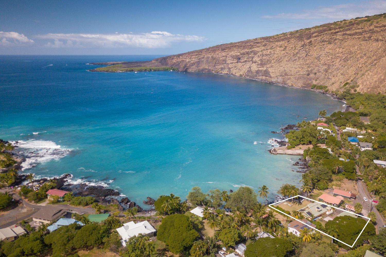 Charming beach house on historic – and scenic – Kealakekua Bay.