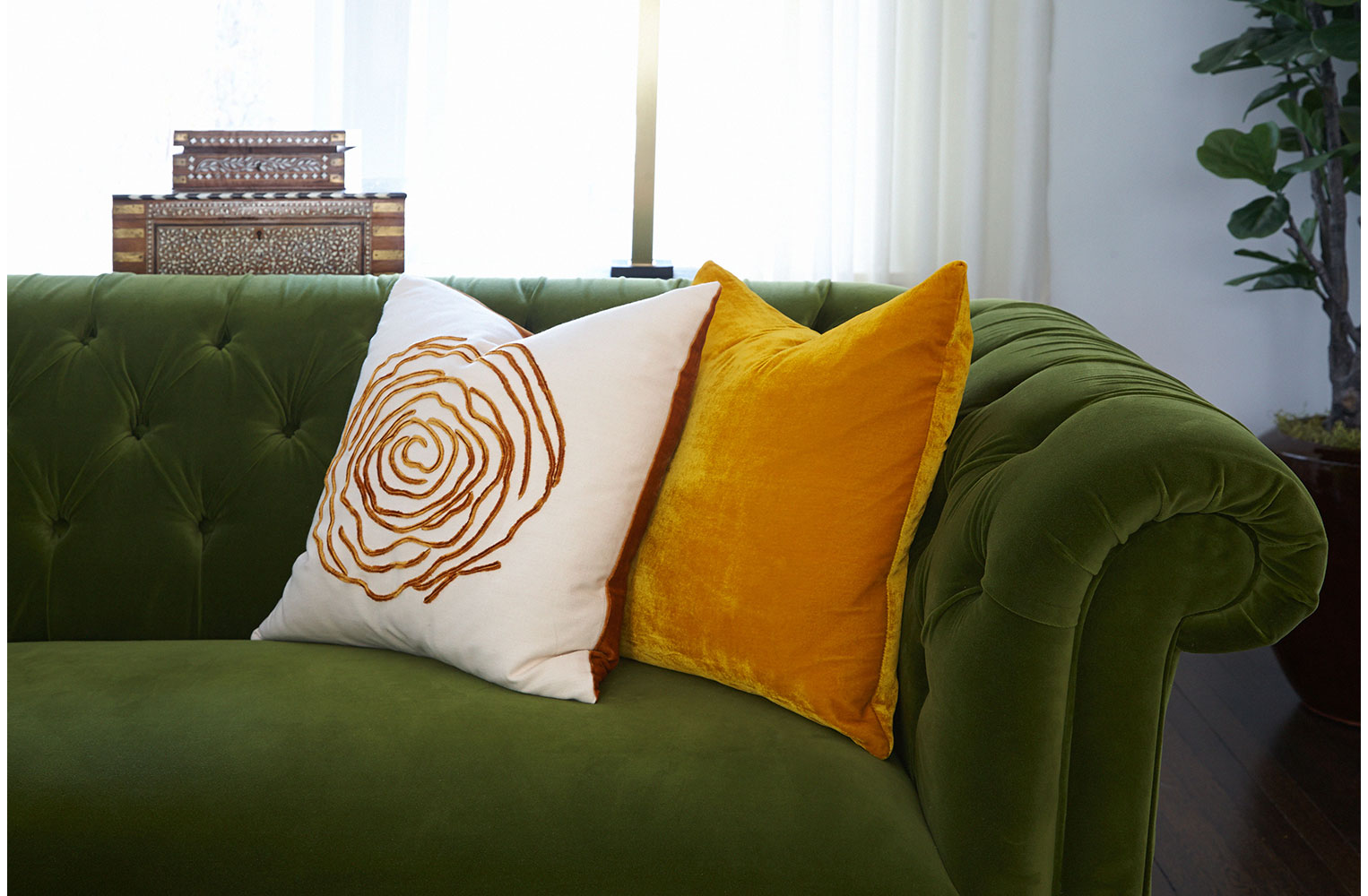 w-FN-COUCH-PILLOWS-VINETTE-59.jpg