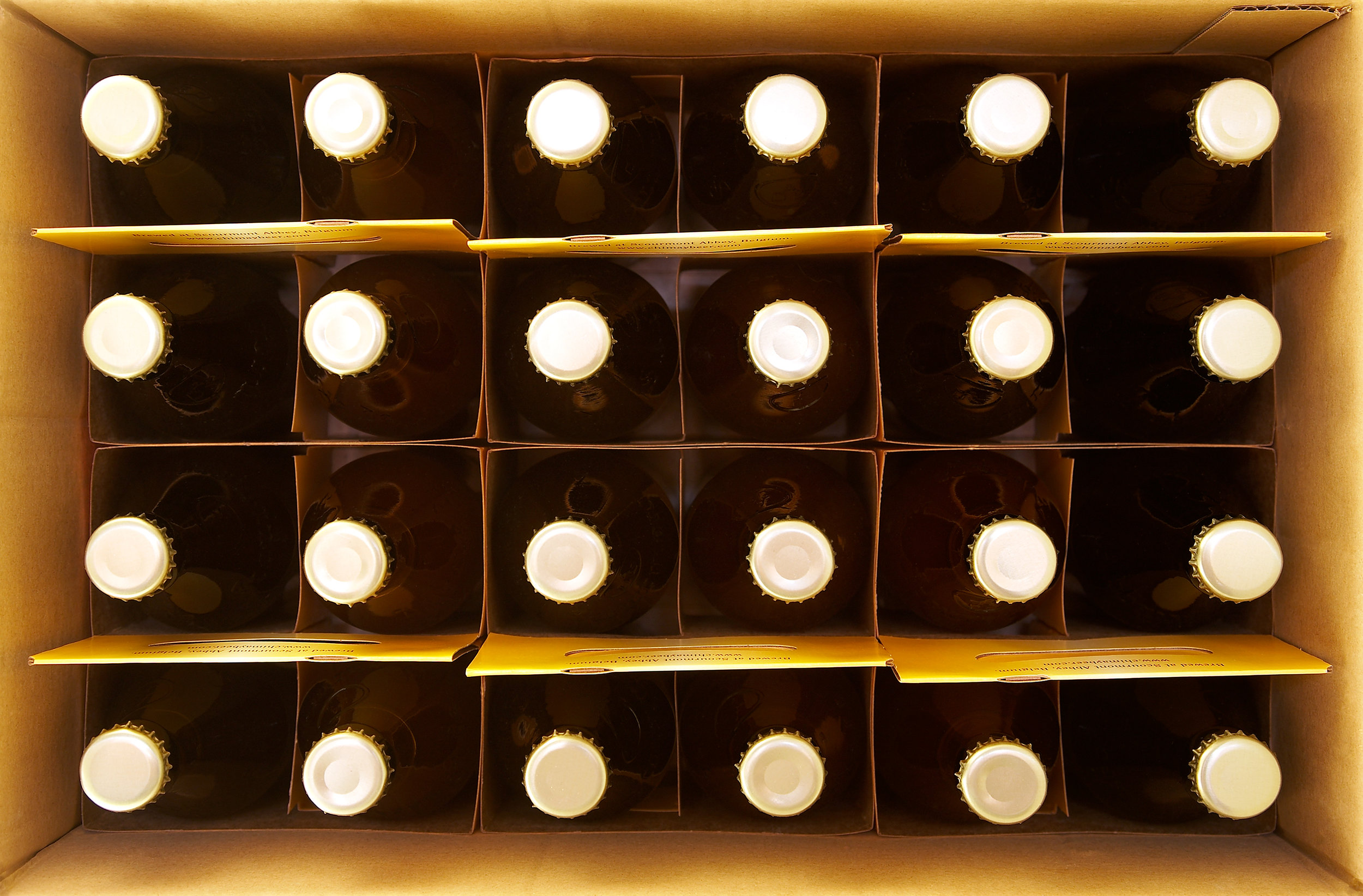 BEER-BOTTLED-ORGANIC-FARM-LIFESTYLE-HOMEADE-BEER-©-JONATHAN-BECKERMAN-PHOTOGRAPHY.jpg