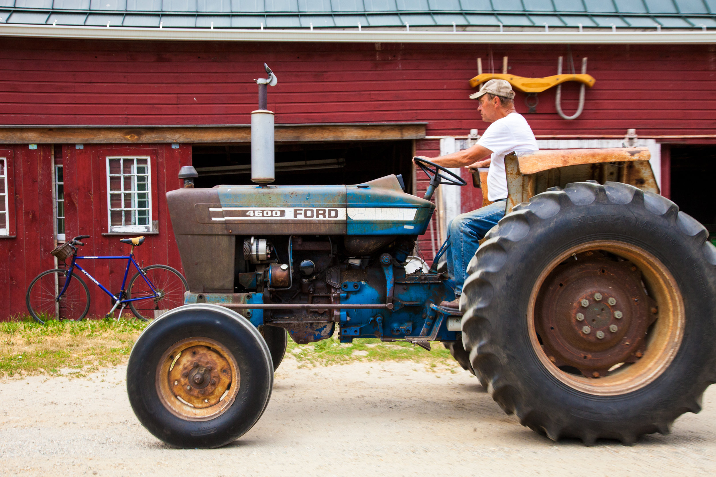 TRACTOR--02-STONEWALL-DAIRY-FARM-2016-©-JONATHAN-R.-BECKERMAN-PHOTOGRAPHY-71.jpg